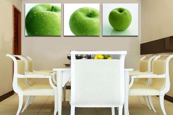 1,餐厅壁画图案的素材   首先是餐厅壁画图案的选择,一定要寓意吉利